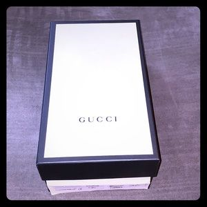 Gucci collectible shoe box with tissue paper/cards